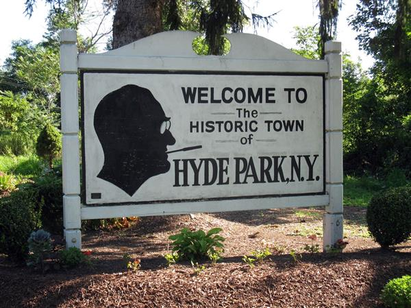 Read Across Hyde Park: A Fundraiser for the Local Libraries - Ends March 31st